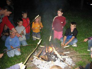 Grillspaß am Lagerfeuer